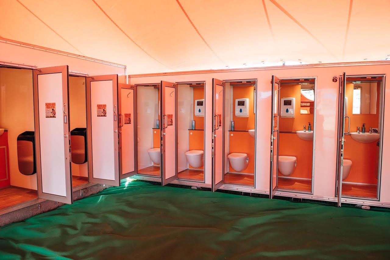 96b1f2f5578 When Nature Calls | Luxury Festival Toilets